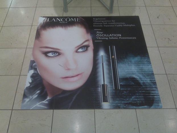 3 Floor Graphics Retail