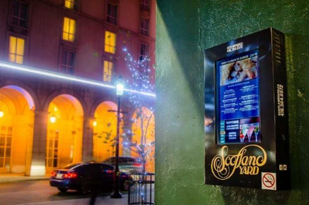 14 Digital Signage Resturant 4