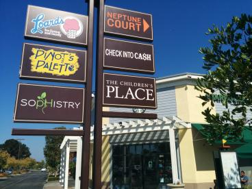 South Shore Centers' Pinot's Palette directional sign