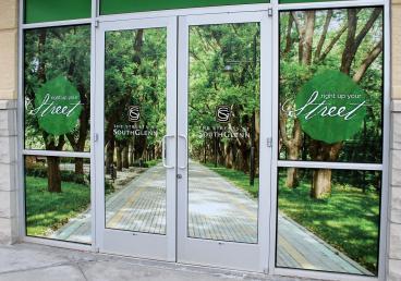 window graphics southglenn mall denver, CO