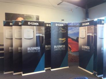 D-Link Retractable Banner Stand Set 2