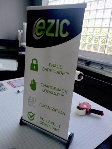 Ezic: Table Top Retractable