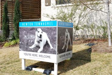 Leasing signs by Speedpro Imaging of Dallas on Elmbrook Drive