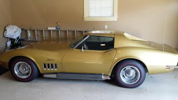 This is a Corvette Sting Ray that's Bloomington Gold Certified.   Thumbnail