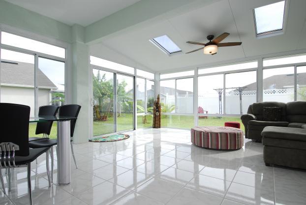 230 Sun & Shade Interior