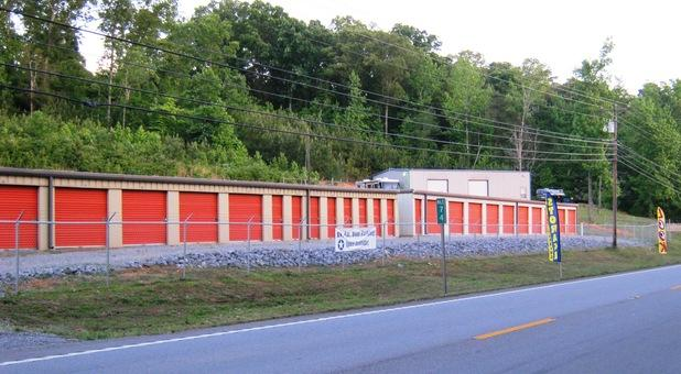 Storage conveniently located off Hwy 79 across from Blue Heron Resort (1)