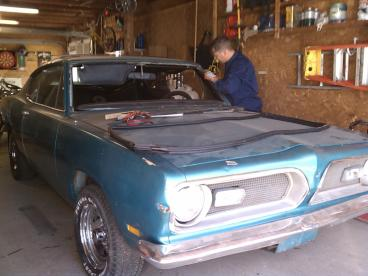Classic Car Windshield Replacement Thumbnail