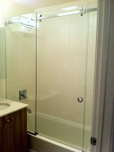 Frameless Serenity Shower Thumbnail