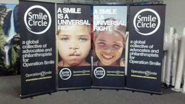 Smile Circle Retractable Banner Stands
