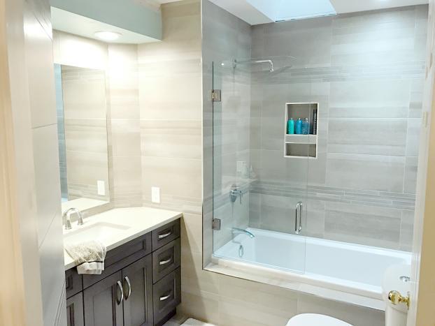 James Residence Tub Shield