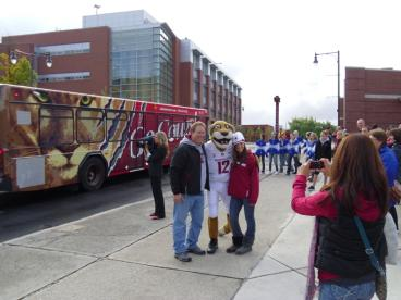 WSU Go Cougs Bus