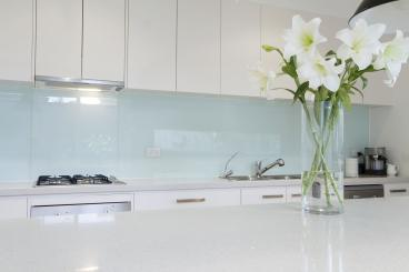 White On Regular Glass Back Splash