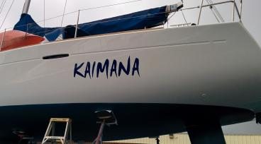 Boat lettering in Alameda