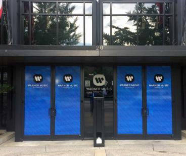 Front Door Graphics  www.warnermusicnashville.com/