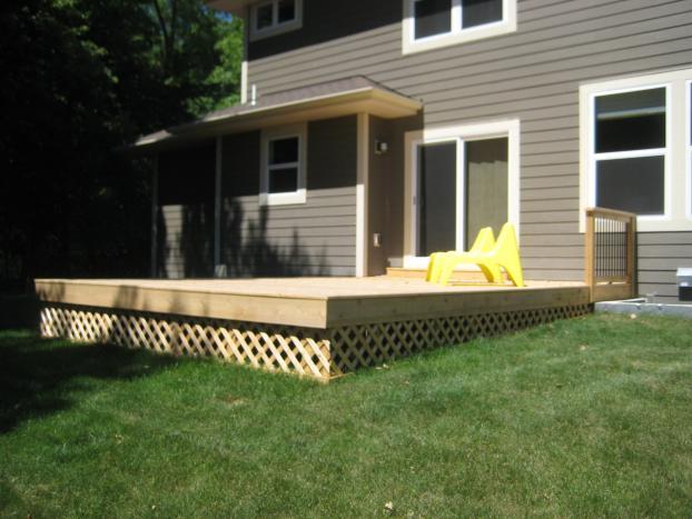 Ground level cedar deck in Chanhassen