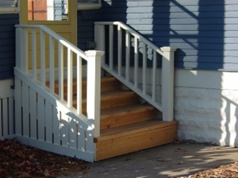 Replace entry stoop in St. Paul
