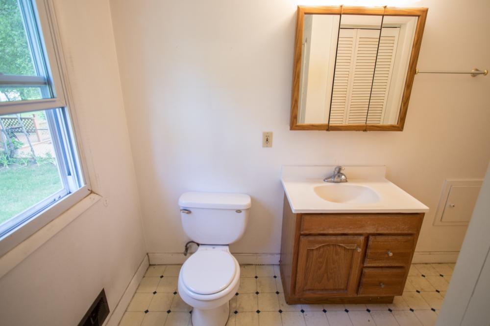 Re bath your complete bathroom remodeler grand rapids mi for Bathroom design grand rapids mi