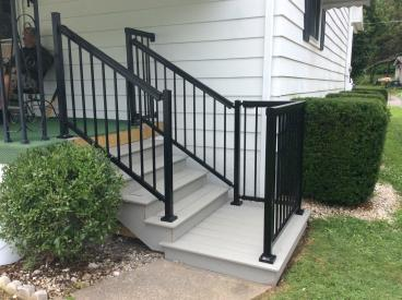Composite Decking Steps and Aluminum Railing Installation in Larksville
