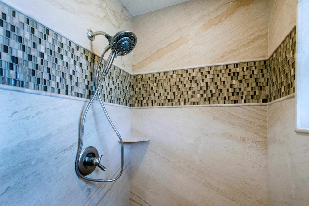 back splash with natural stone walls