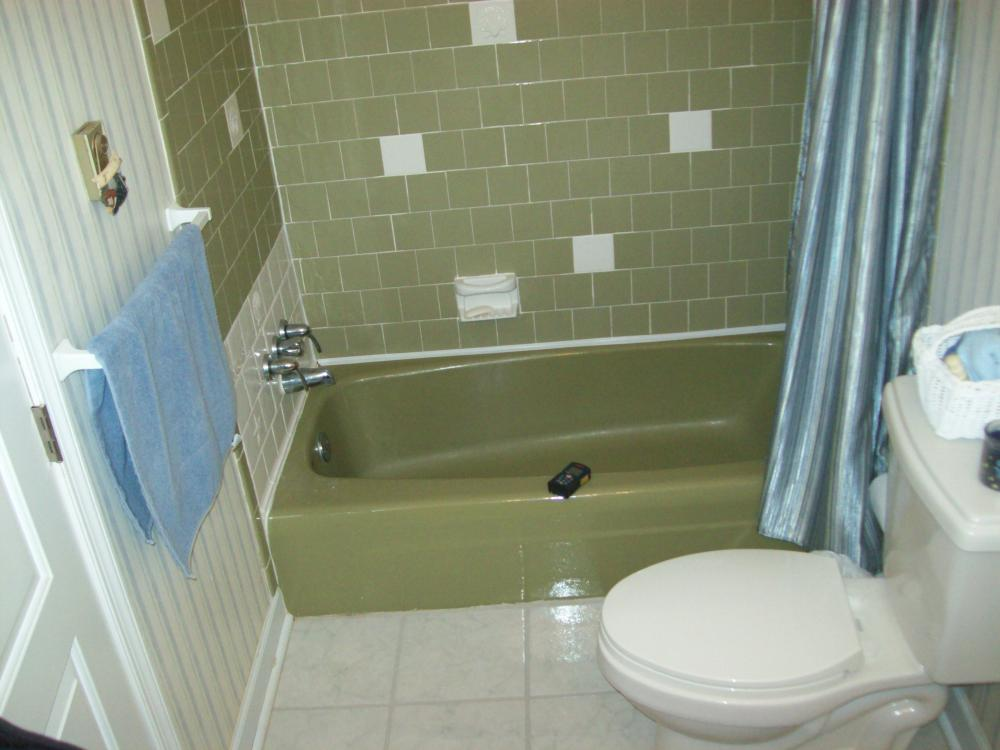 Before Re-Bath update of green tub and ceramic walls in Colonial Heights, VA