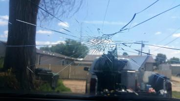 Do you know if your insurance covers windshield replacements? Thumbnail