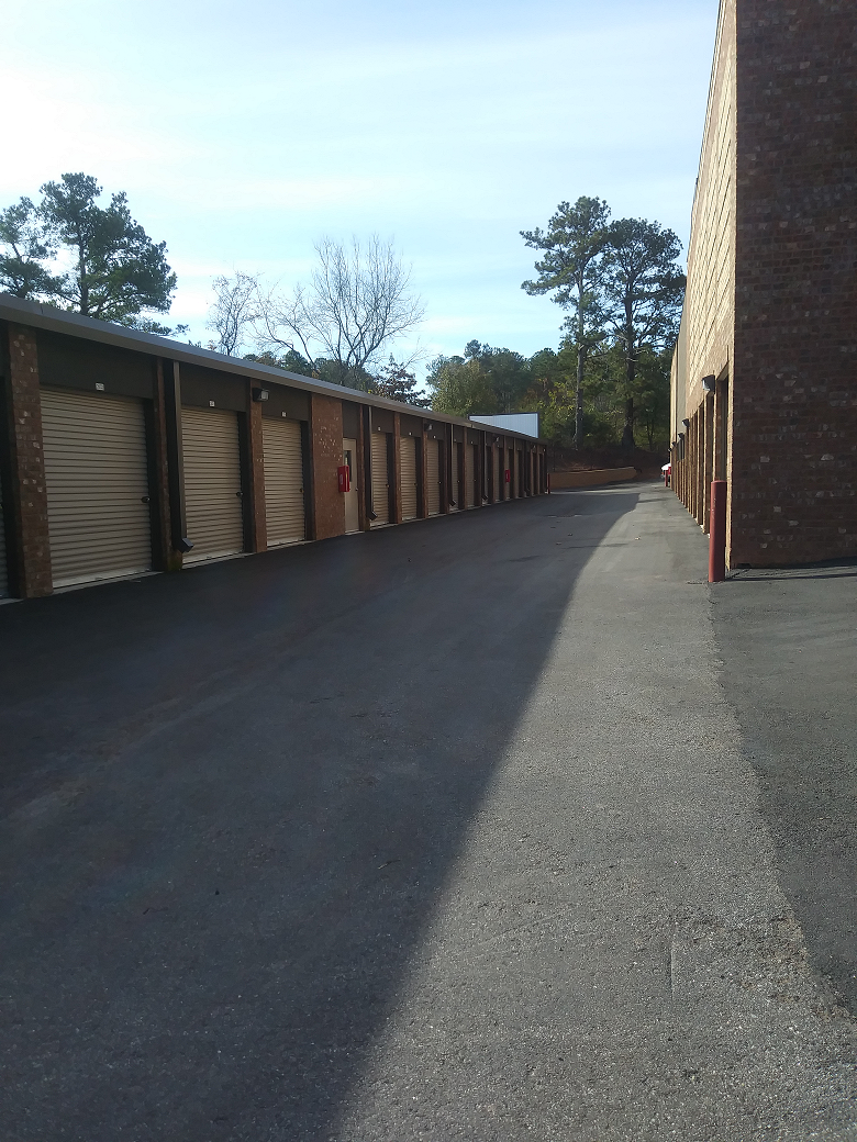 Exterior Non-Climate Drive Up Self Storage