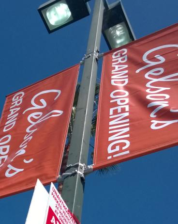 Double-sided, double-pole banners