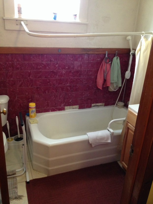 Before Photo of Tub to Low Curb Shower Conversion in Monongahela, PA