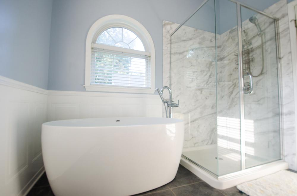 Peachy Bathroom Remodeler Serving Raleigh Nc Interior Design Ideas Inesswwsoteloinfo
