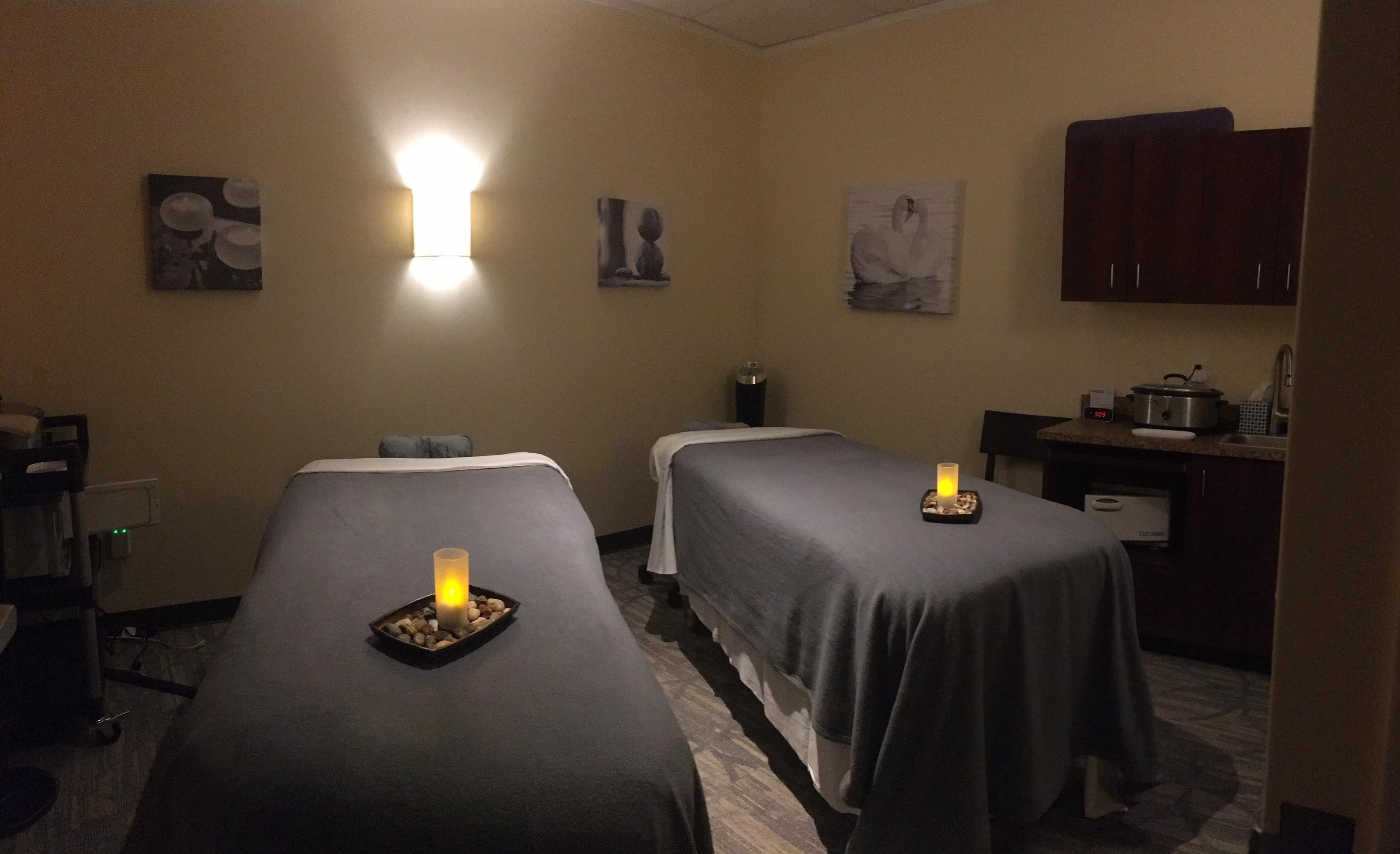 Couples Massage Therapy Room - Hand & Stone Massage and Facial Spa - Kirkland, Washington