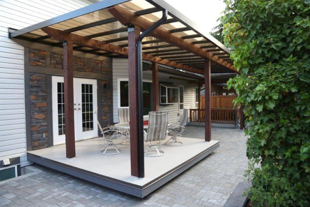 Pergola with raised deck