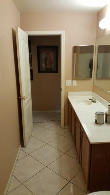 Older Style Bathroom Counter with 1 sink