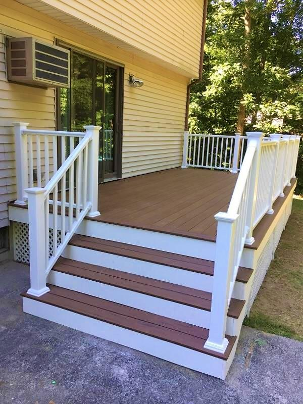 Deck in Ledyard, CT