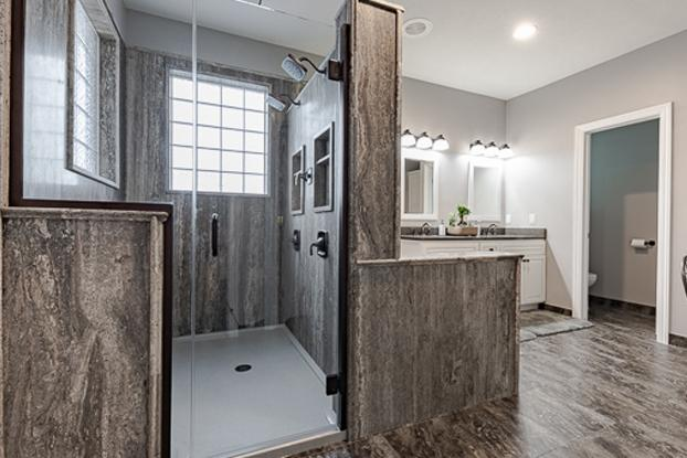 Dream Shower in Natural Stone