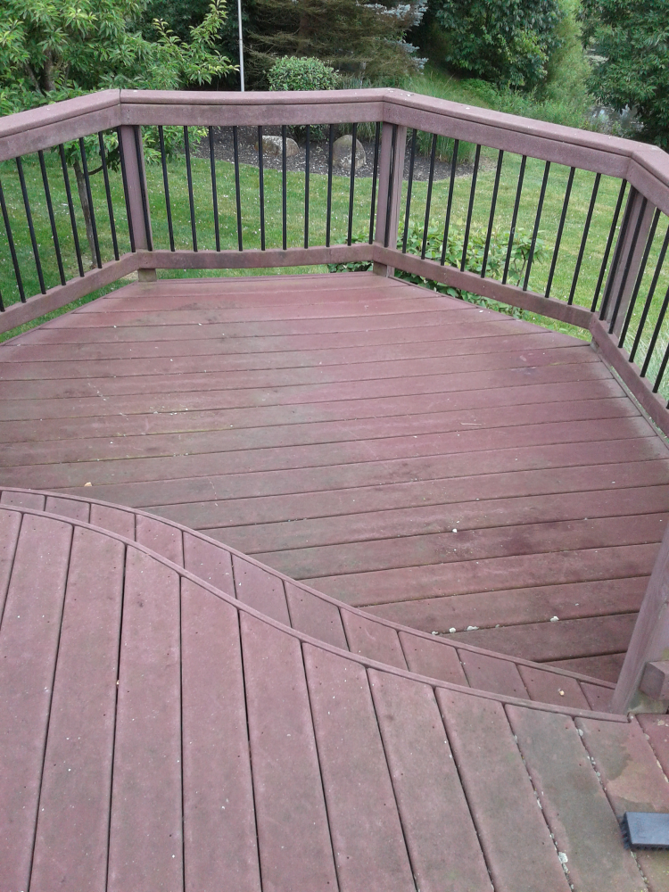 Before power washing and cleaning multi-level deck in Reynoldsburg