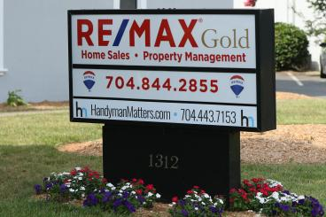 Re/Max Gold meets Handyman Matters of South Charlotte