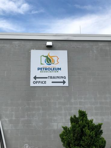 PA Petroleum Directional Sign