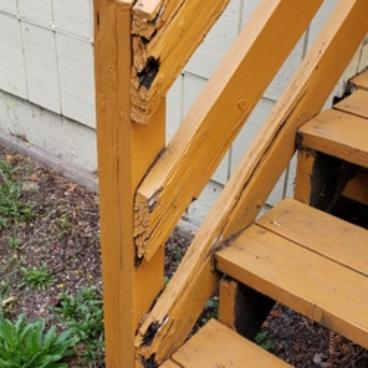 ROT DAMAGED RAILING-BEFORE