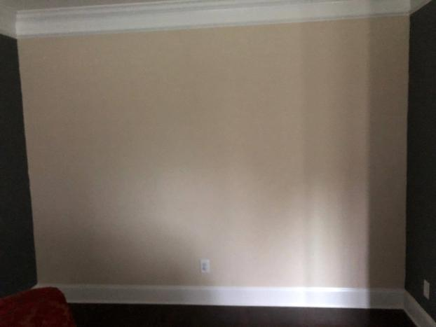 Mooresville, NC plain wall before accent trim applied