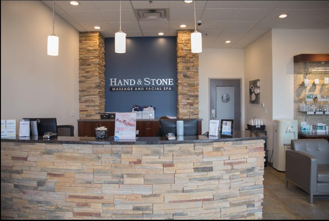 Rolling Meadows - Hand & Stone Front Desk