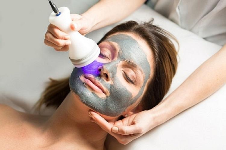 Detox with Blue LED Skin Phototherapy Facial Treatment
