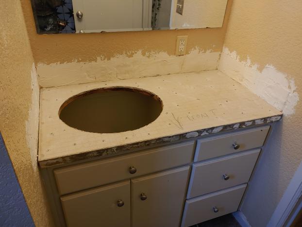 Bathroom counter tile, Everett