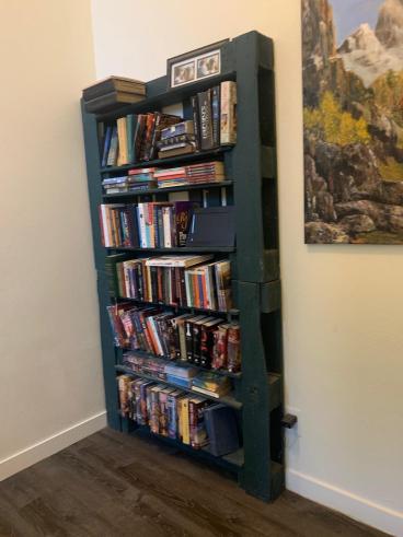 Custom Pallet Shelves