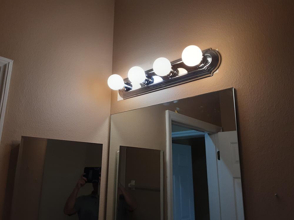 Bathroom light fixture (After)