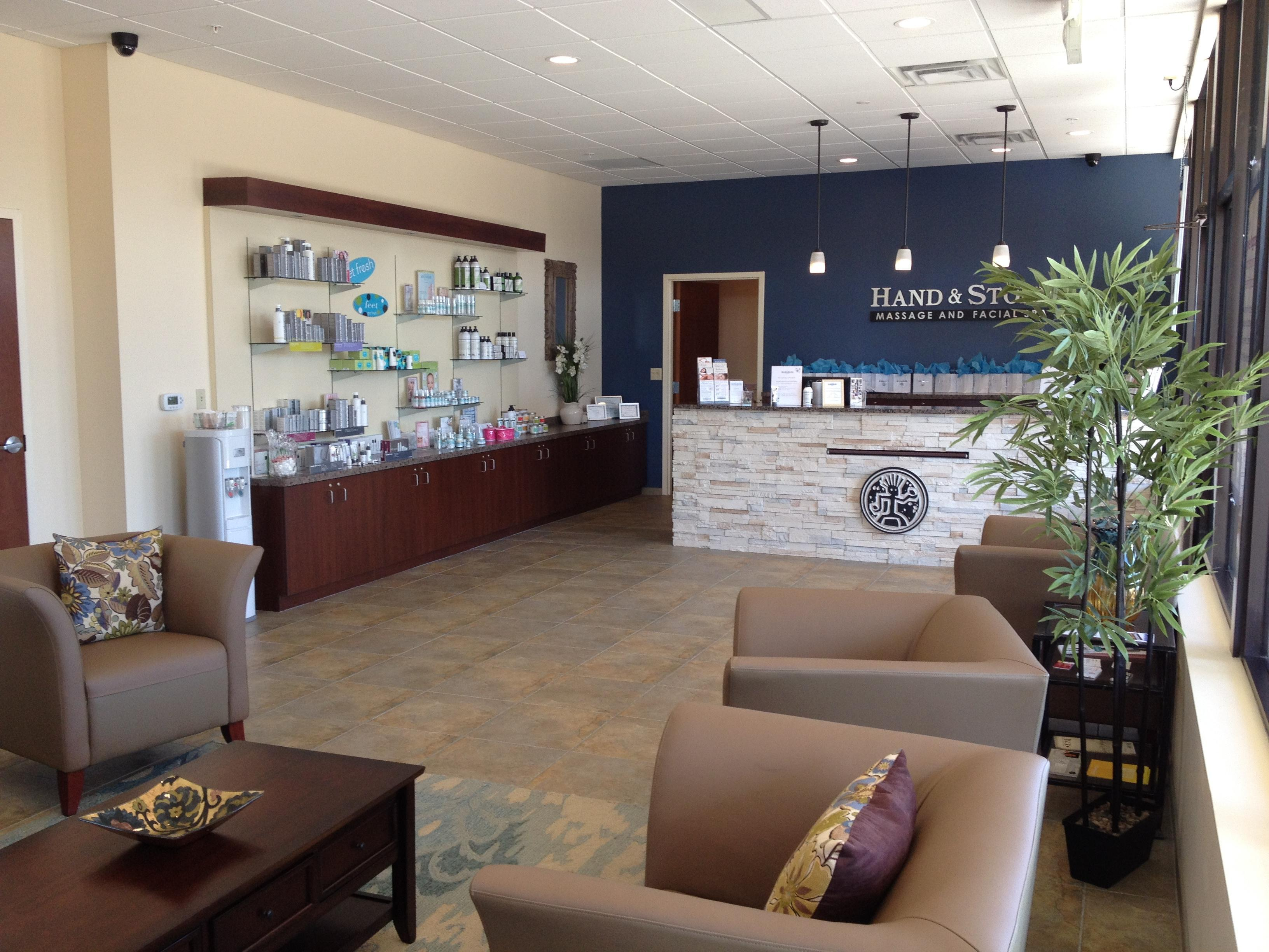 Welcome to Hand & Stone Massage and Facial Wheaton IL