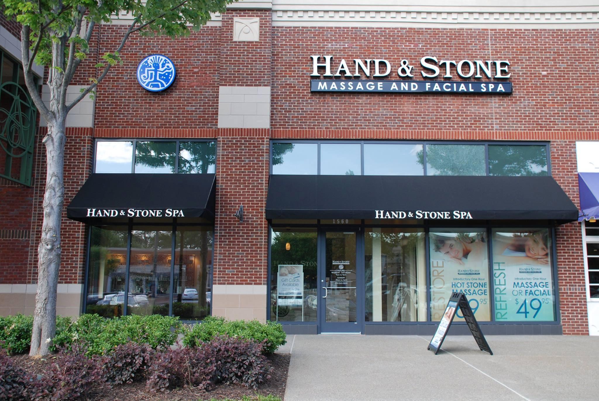 Hand & Stone storefront