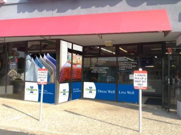 Very Impactful Retail Window Graphics - Eden Prairie, MN  - Minneapolis