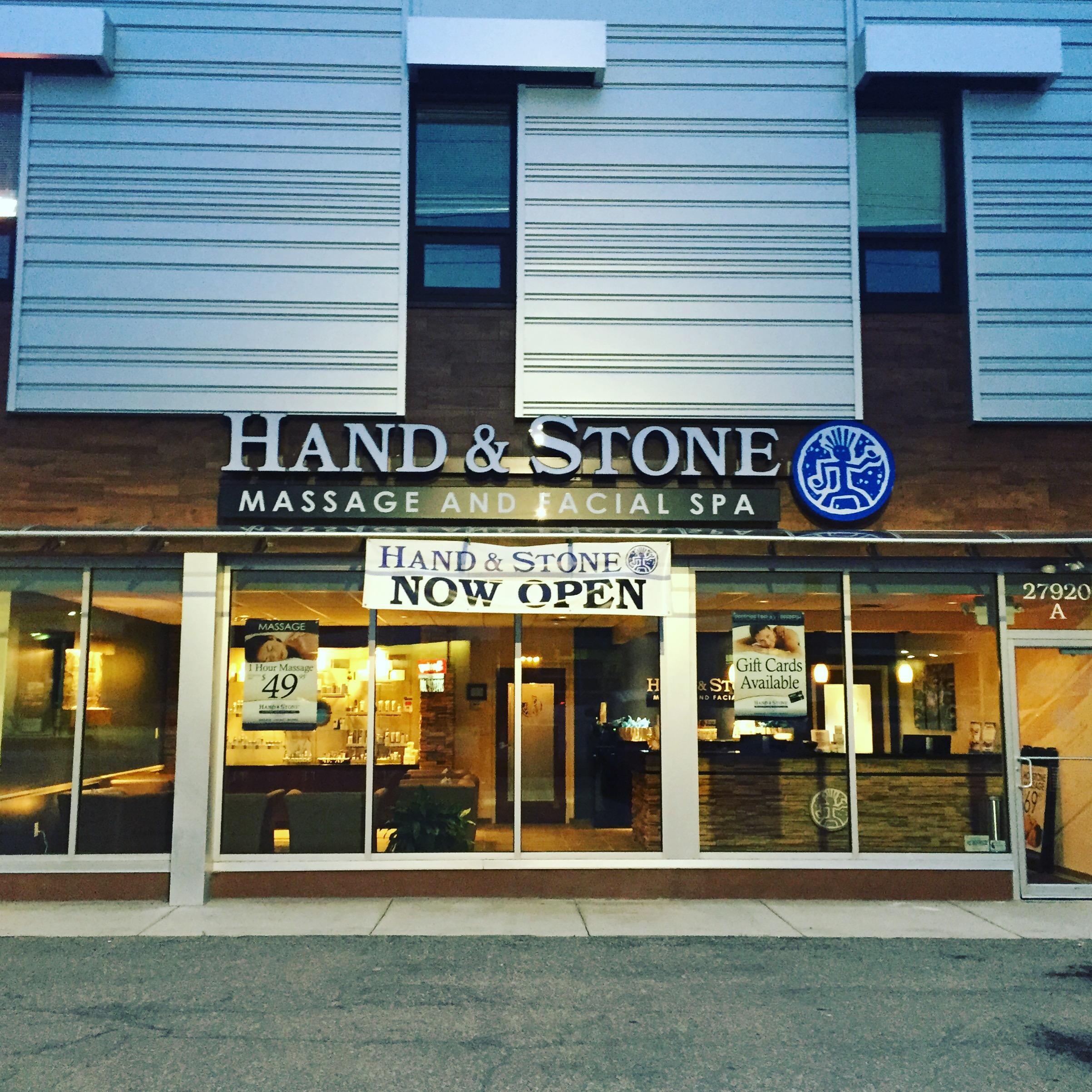 Hand & Stone Beachwood Storefront