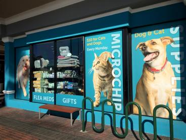 Retail window graphics