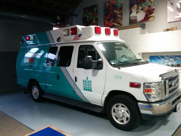 Paramedics Plus vehicle graphics